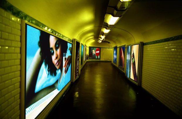backlit printing 620x407 - Интерьерная реклама — особенности и основные виды печатных материалов