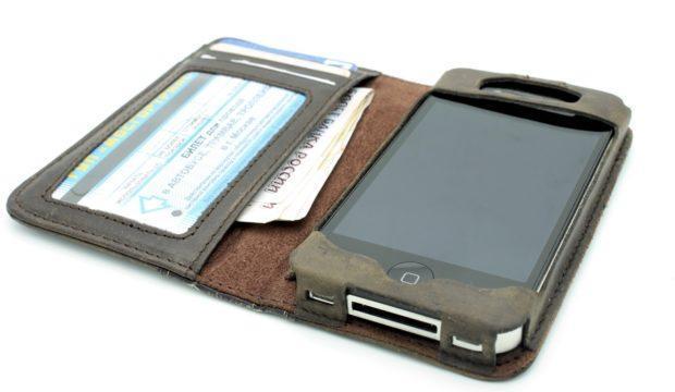 phone skin 1 620x360 - Чехол для смартфона — необходимость или абсурд
