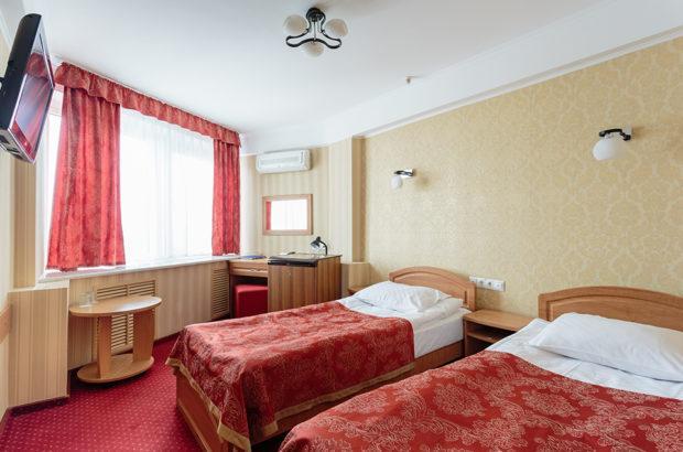 tourist hotel 620x410 - Базовые советы подбора жилья для проживания в другом городе