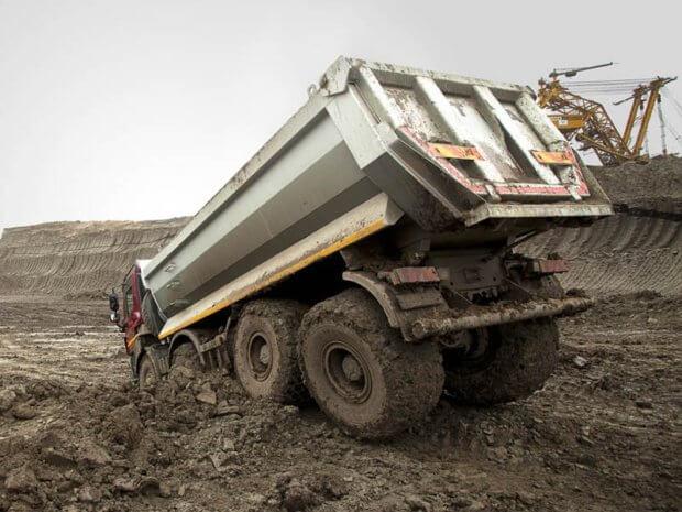 tatra 815 offroad 620x465 - Tatra 815 — чешский полноприводный грузовик-вездеход